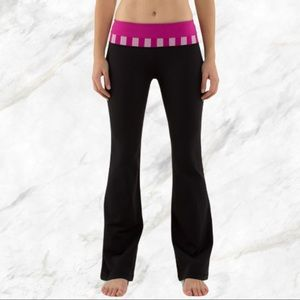 Lululemon | Pink Striped Groove Pants